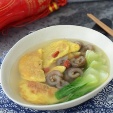 海参蛋饺青菜汤