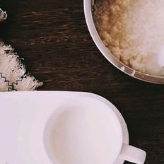 一分钟星级早餐,醪糟牛奶加麦片