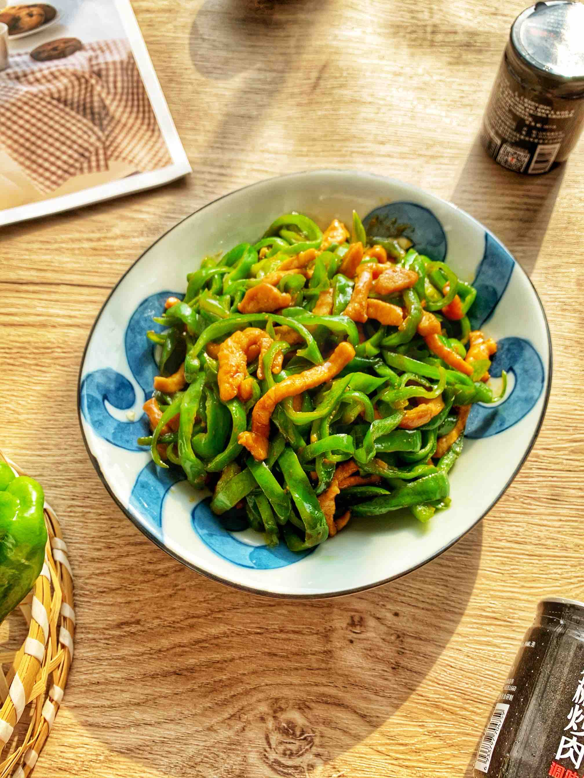 简简单单下饭菜:辣椒炒肉