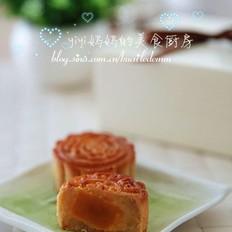 蛋黃蓮蓉月餅