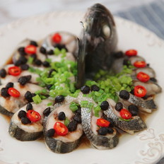 豉汁蒸鲈鱼的做法