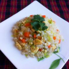 鸡蛋白菜炒米饭