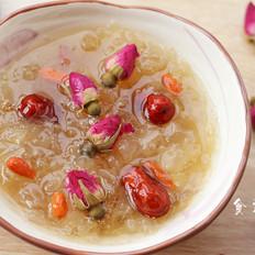 皂角米红枣枸杞玫瑰银耳羹