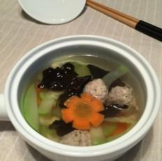 鲜蔬肉丸汤