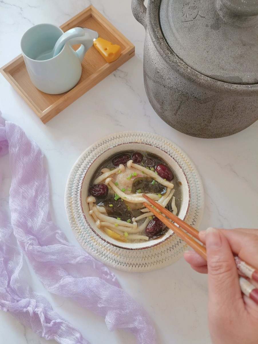 菌菇海带炖鸭汤