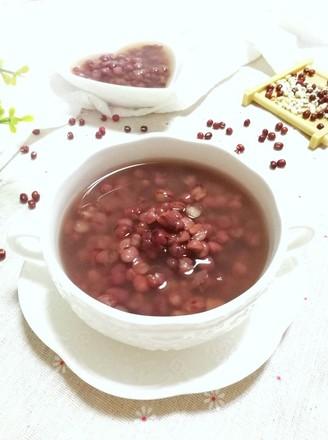 祛湿排毒的薏米红豆粥