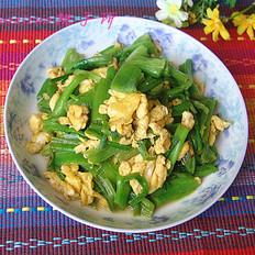 菠菜梗炒鸡蛋