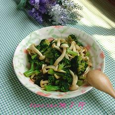 海鲜菇炒西兰花