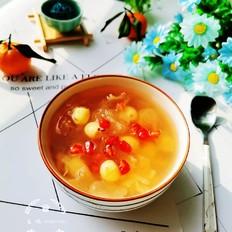 银耳莲子石榴汤