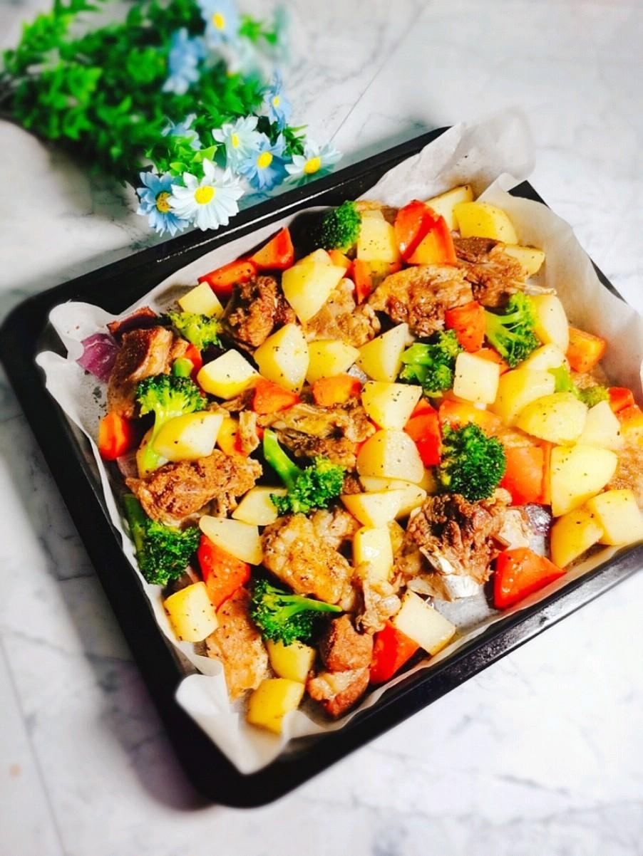 蔬菜烤羊肉