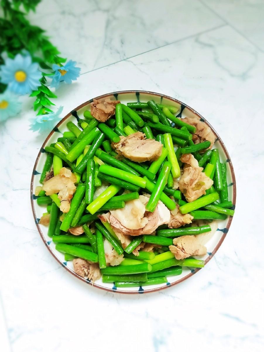 白肉炒蒜苔
