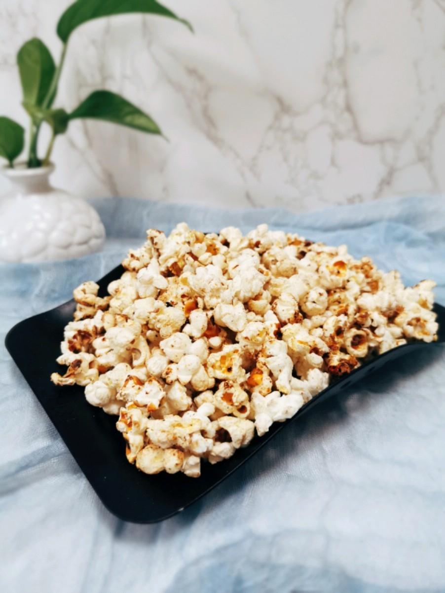 情侣约会必备的小零食:白巧克力爆米花的做法