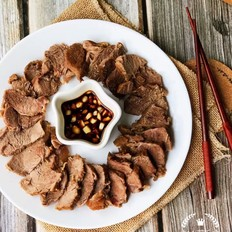 家庭版酱牛肉的做法
