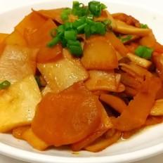 红薯焖五花肉