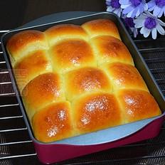 菠萝果酱面包