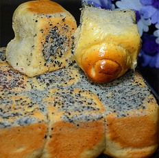酸奶枣泥脆底面包