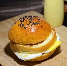 鸡蛋肉松汉堡