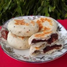 奶香黑芝麻豆沙发面饼