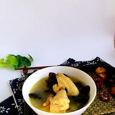 黑木耳土鸡汤