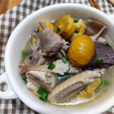 猪肚菌板栗鸡汤
