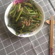 蒜苗炒肉丝
