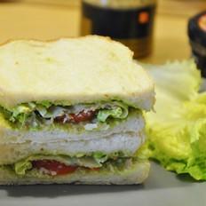 鲟鱼 牛油果三明治