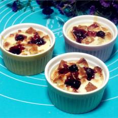 蓝莓乳酪吐司布丁