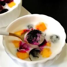 水果酸奶龟苓膏