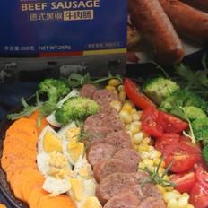 黑椒牛肉肠沙拉