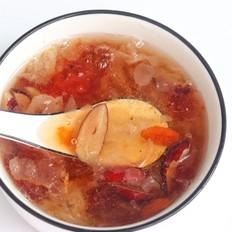 雪燕皂角米桃胶汤