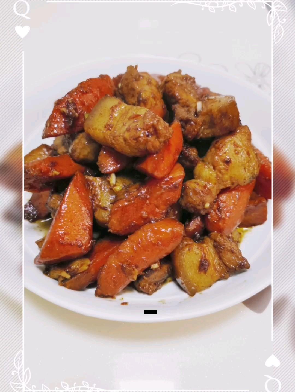 胡萝卜焖五花腩