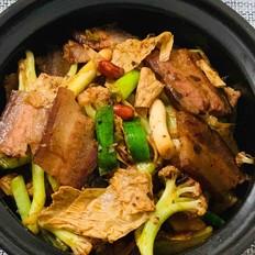 干锅腊肉炒菜花