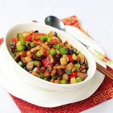 尖椒香菇焖肉丁