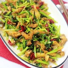 毛芹菜炒小鱼