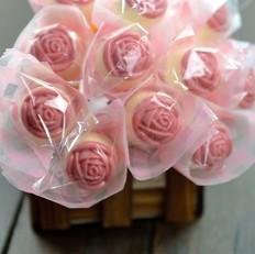情人节玫瑰花束巧克力