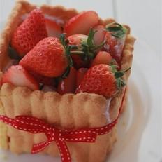 mini草莓夏洛特