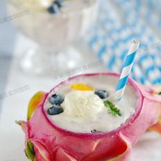 火龙果冰淇淋奶昔