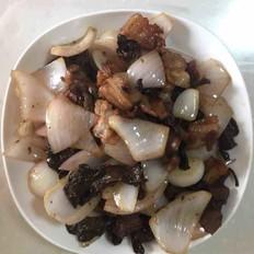 五花肉炒蘑菇