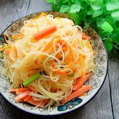 芹菜火腿肠炒米线