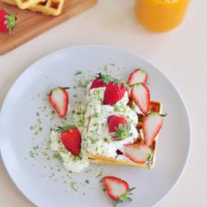 草莓奶油华夫饼