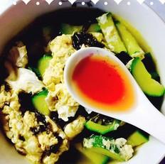 西葫芦紫菜蛋花汤