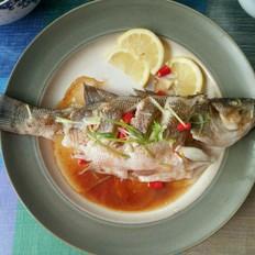 泰式柠香蒸鲈鱼