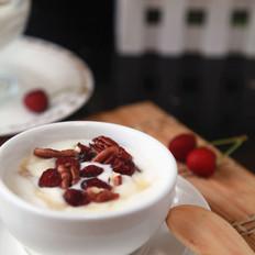 蔓越莓蜂蜜酸奶