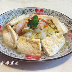酸菜白肉炖豆腐