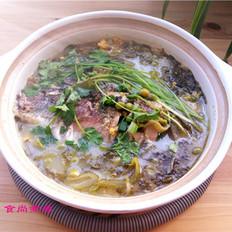 鲫鱼豌豆咸菜煲