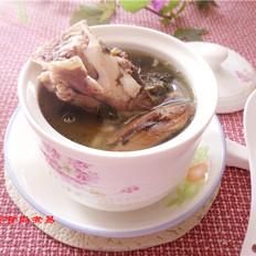 猪骨菜干墨鱼汤