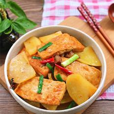 肉香土豆焖豆腐
