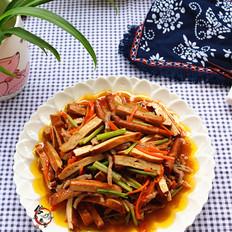 胡萝卜肉丝香干