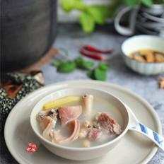 猪肚煲鸡汤