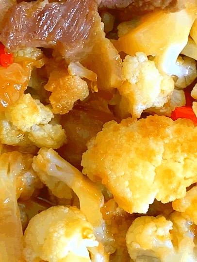 干锅花菜,这样做既简单又好吃,一分钟就能学会它